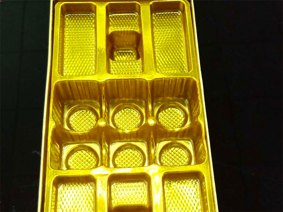 广东情人节巧克力礼盒吸塑包装生产厂家